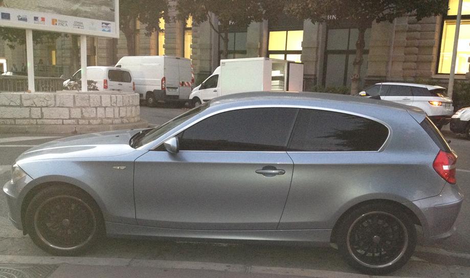Le modèle 114 I de BMW, option vitres teintées