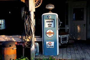 petrol-stations-1638672_1280
